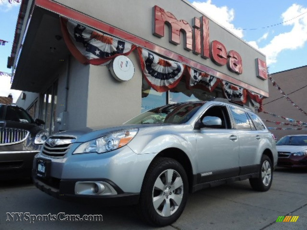2012 subaru outback 25i premium in ice silver metallic 228967 ice silver metallic off black subaru outback 25i premium vanachro Images