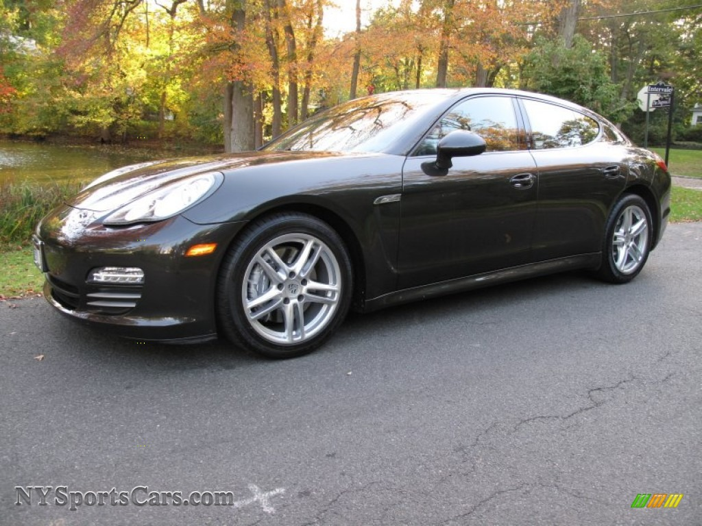 2012 Porsche Panamera 4 In Carbon Grey Metallic 012616
