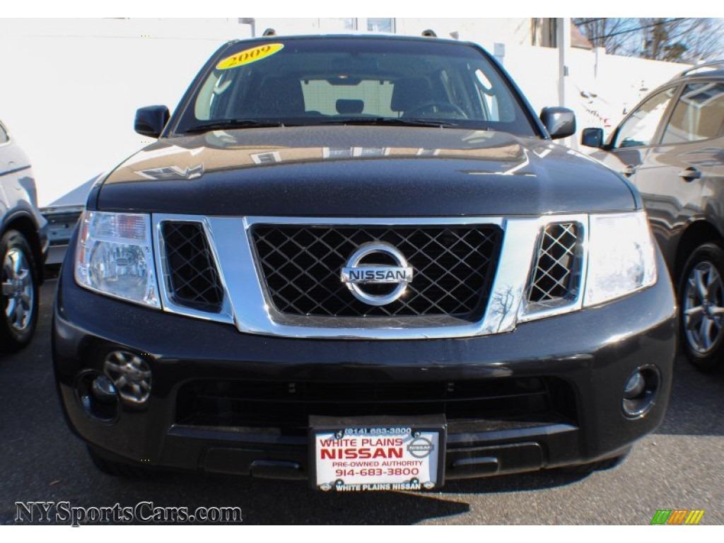 2009 nissan pathfinder s 4x4 in super black photo 2 613871 cars for sale. Black Bedroom Furniture Sets. Home Design Ideas
