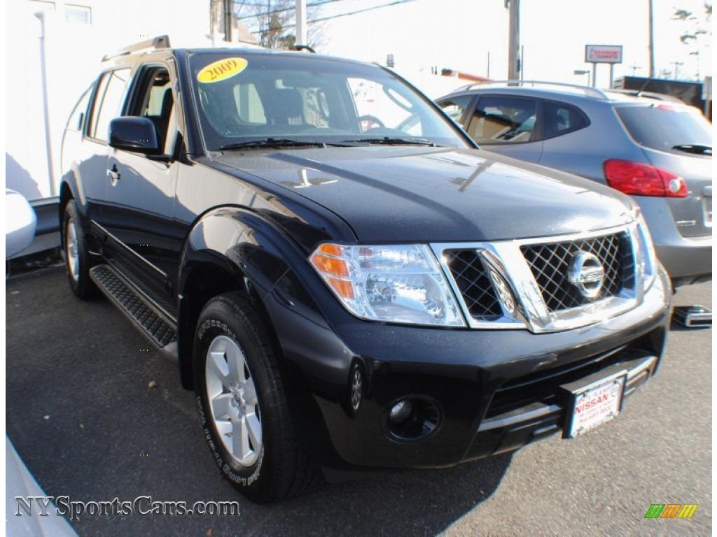2009 nissan pathfinder s 4x4 in super black photo 4 613871 cars for sale. Black Bedroom Furniture Sets. Home Design Ideas