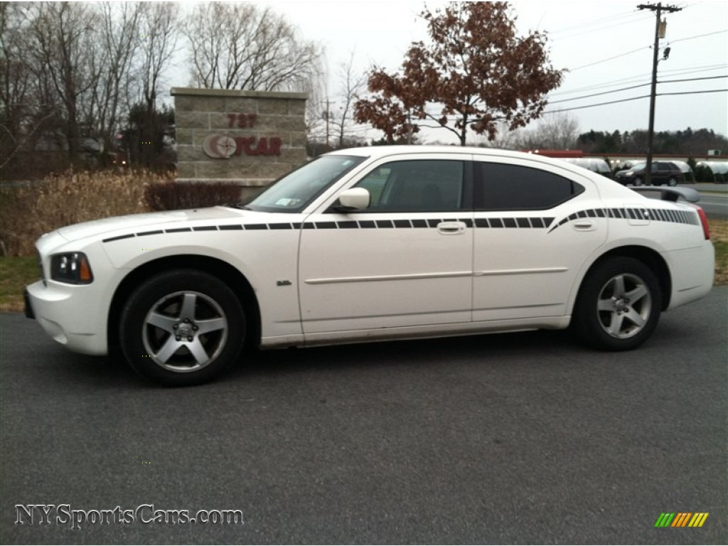 2010 dodge charger sxt in stone white 116967 cars for sale in new york. Black Bedroom Furniture Sets. Home Design Ideas
