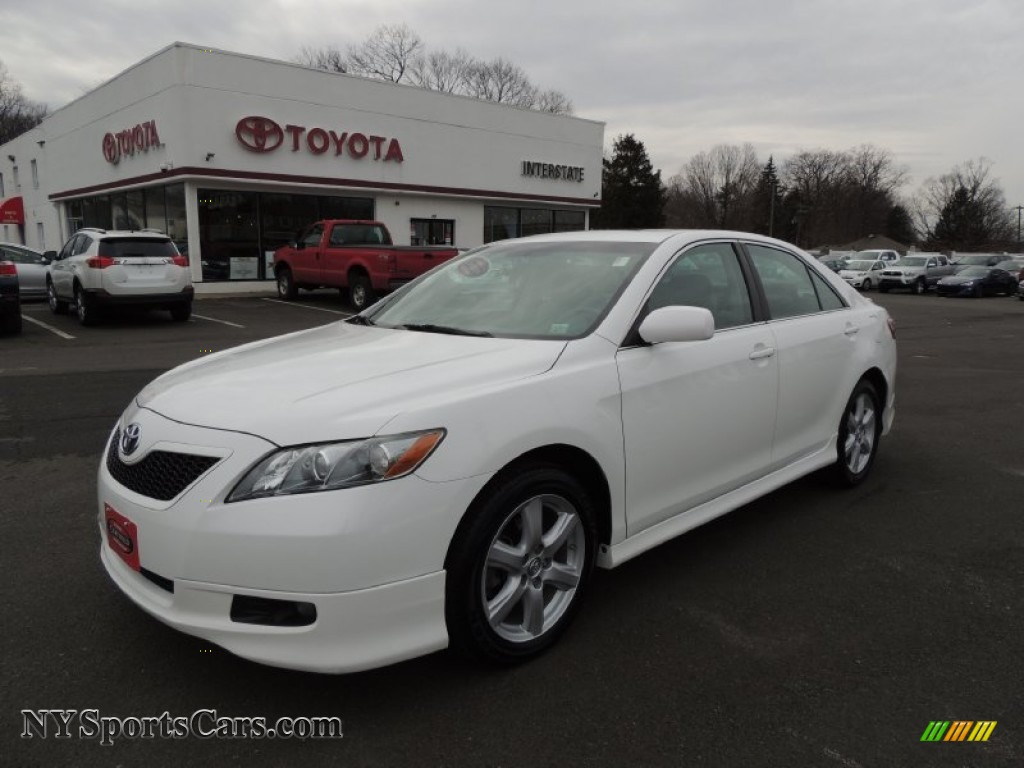 2008 toyota camry se in super white 792425 cars for sale in new york. Black Bedroom Furniture Sets. Home Design Ideas