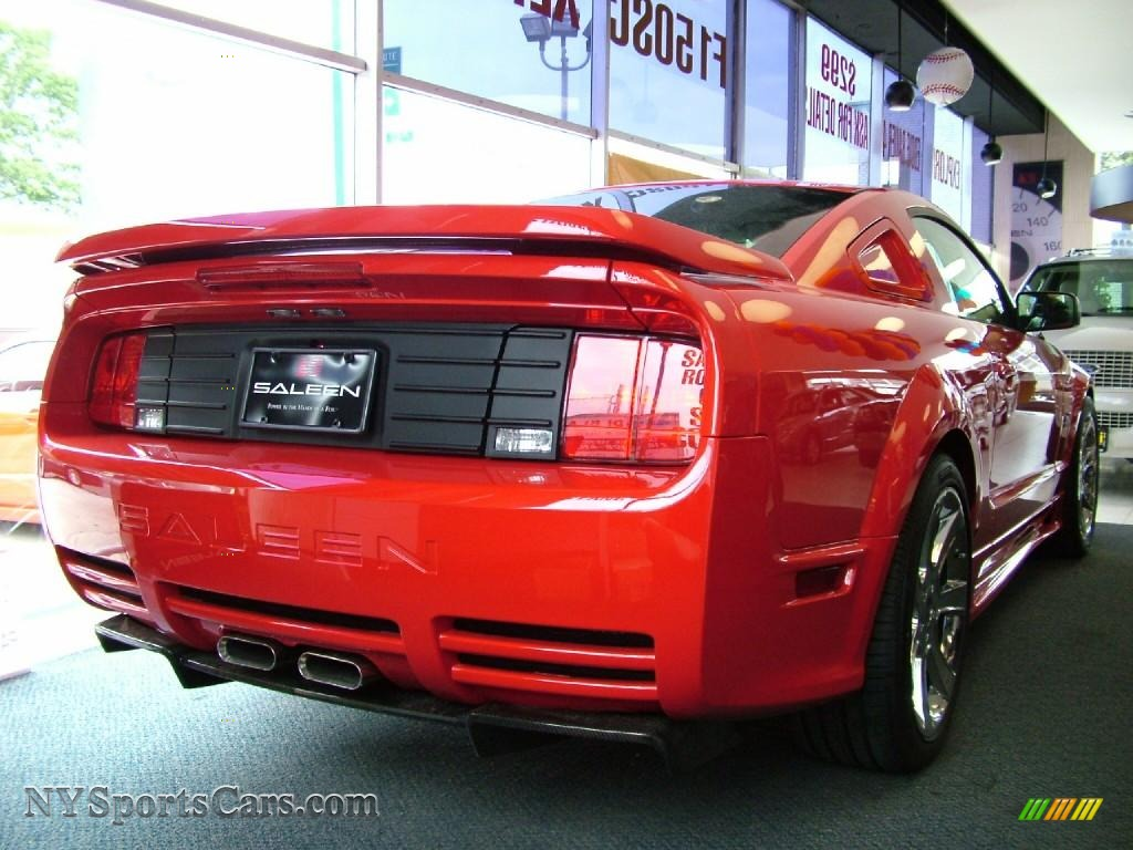 2006 Ford Mustang Saleen S281 Extreme Coupe in Torch Red photo 4