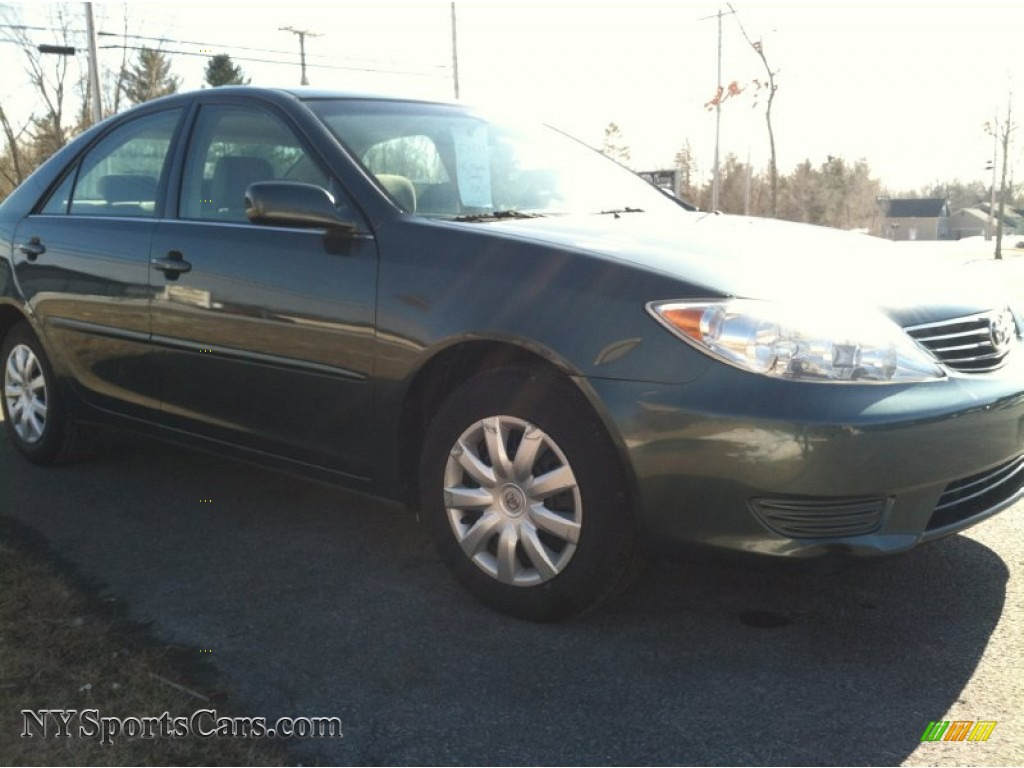 2005 Toyota Camry Le In Aspen Green Pearl Photo 4 101007