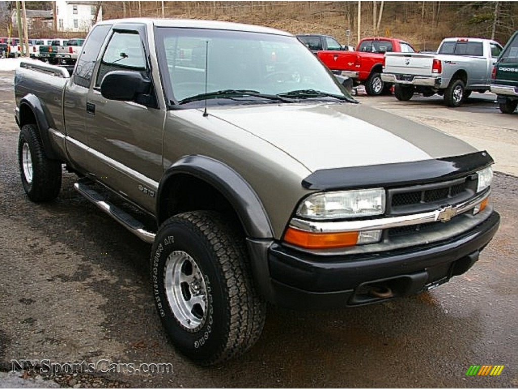 2003 chevrolet s10 zr2 extended cab 4x4 in light pewter metallic photo 8 198754. Black Bedroom Furniture Sets. Home Design Ideas