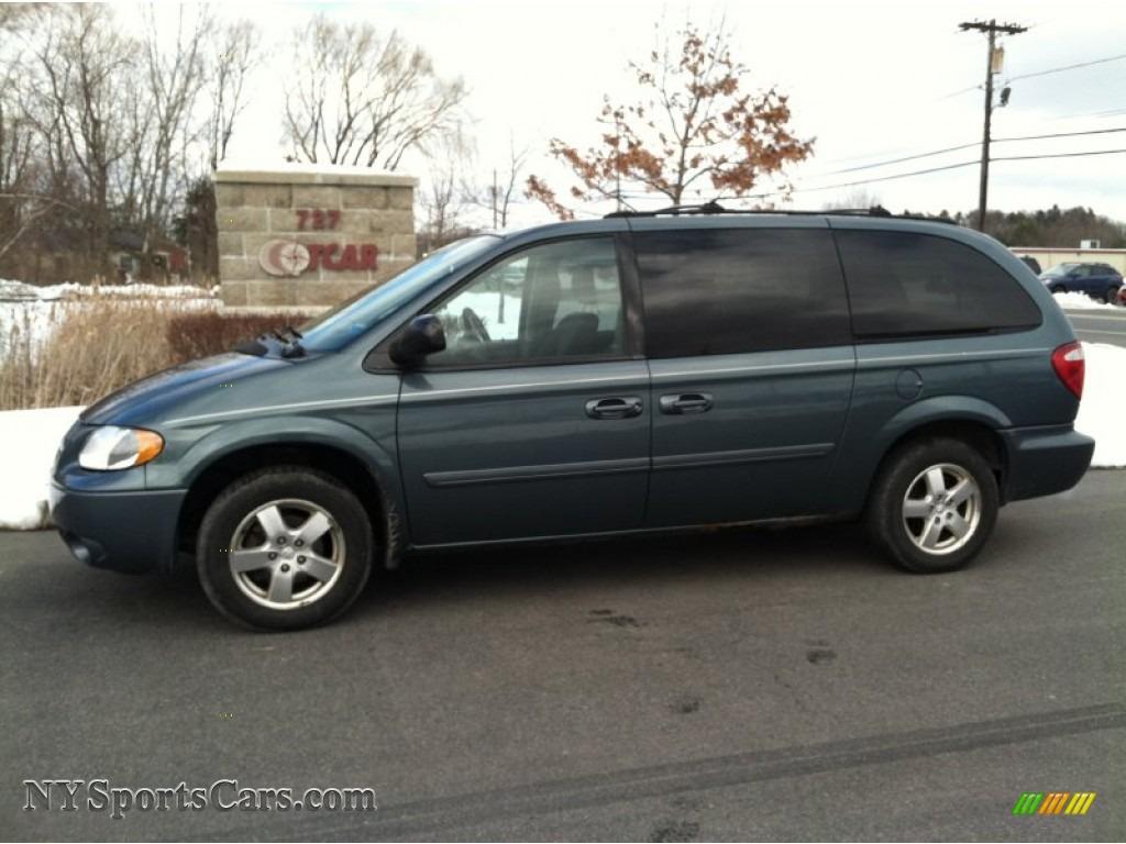 2005 Dodge Grand Caravan SXT in Magnesium Pearl  529356