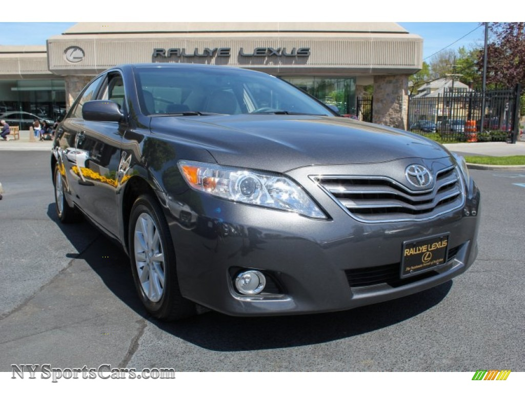 2011 Toyota Camry Xle V6 In Magnetic Gray Metallic