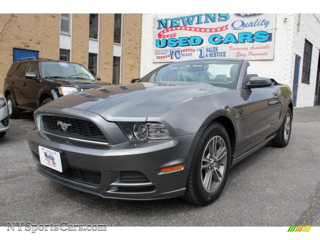 Sterling gray metallic charcoal black ford mustang v6 premium convertible