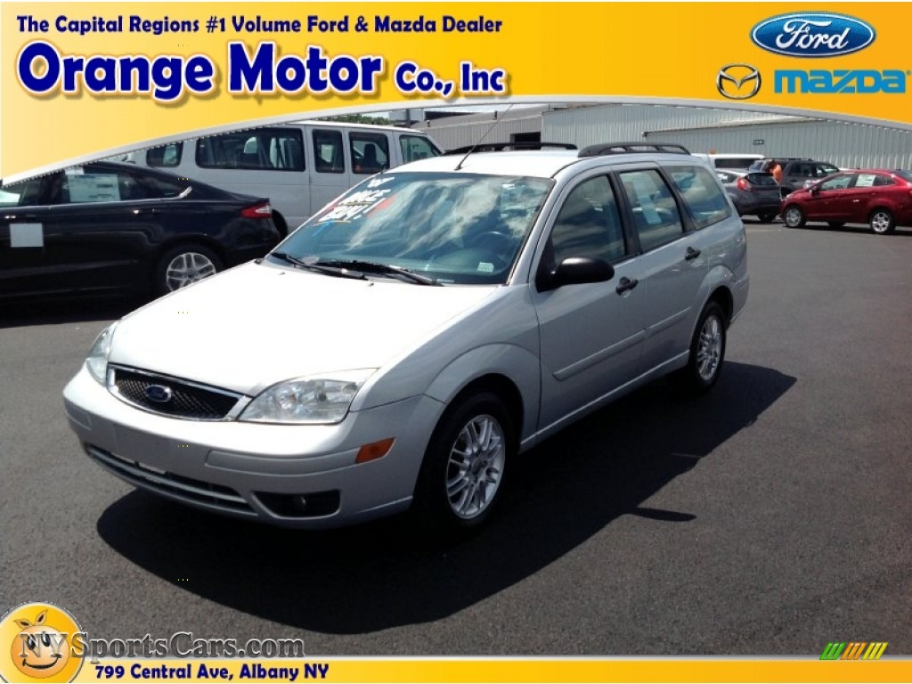 2007 ford focus zxw se wagon in cd silver metallic. Black Bedroom Furniture Sets. Home Design Ideas