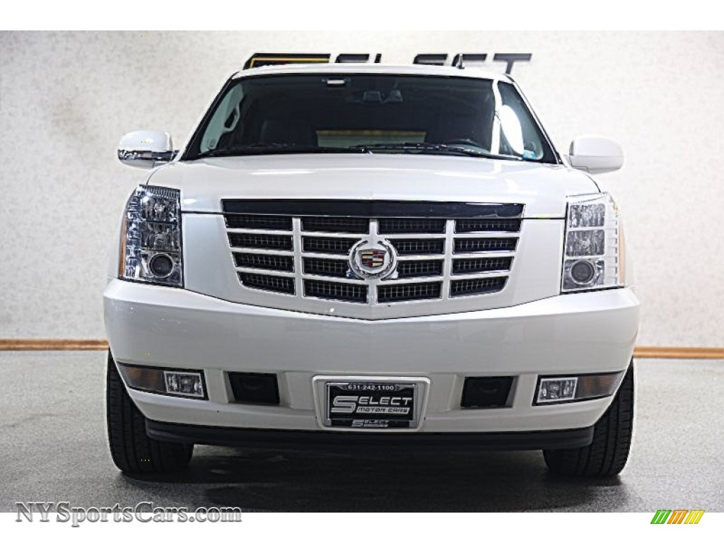 2012 cadillac escalade luxury awd in white diamond tricoat. Black Bedroom Furniture Sets. Home Design Ideas