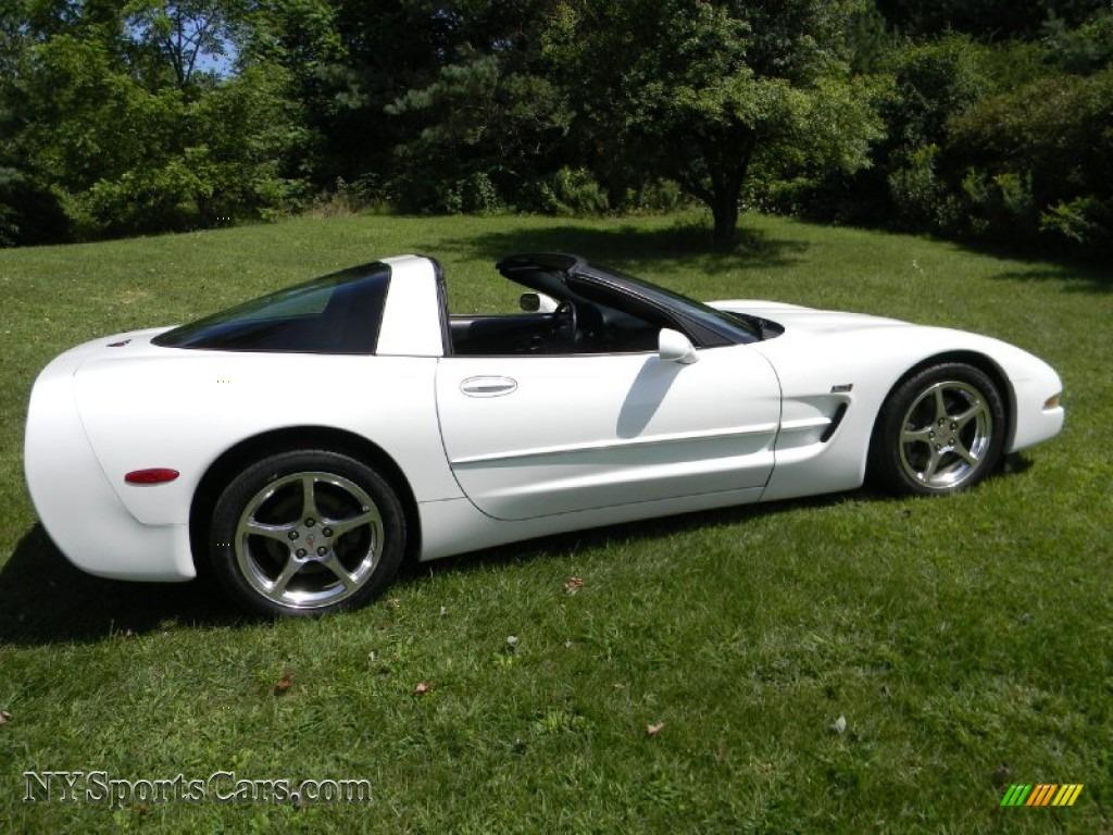 2004 Chevrolet Corvette Coupe in Arctic White photo #15 ...