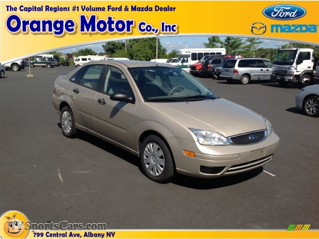 2006 ford focus zx4 s sedan in pueblo gold metallic photo for Orange motors albany new york