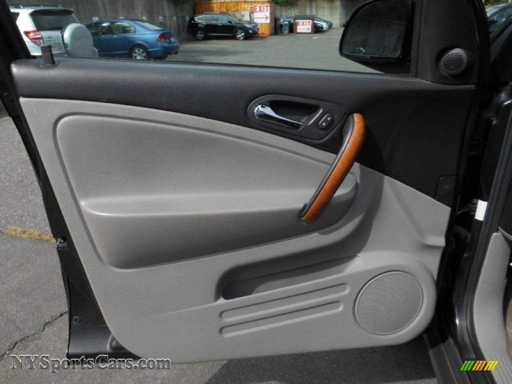 2006 VUE V6 AWD - Black Onyx / Gray photo #7