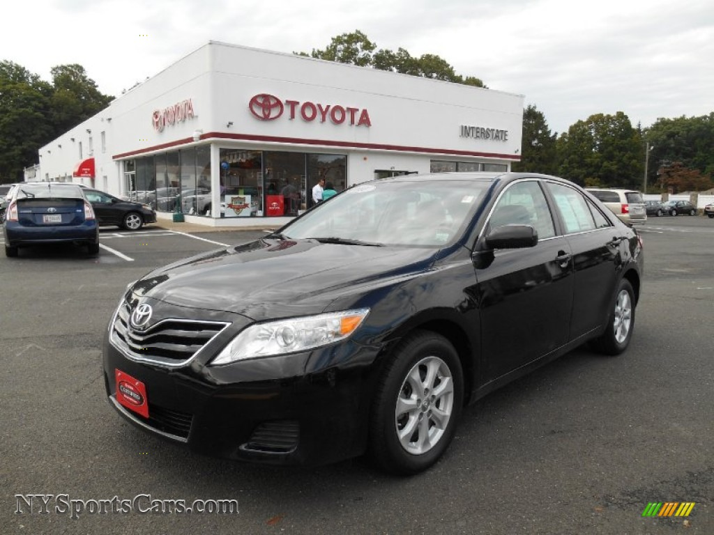 2011 toyota camry le in black 695098 cars for sale in new york. Black Bedroom Furniture Sets. Home Design Ideas