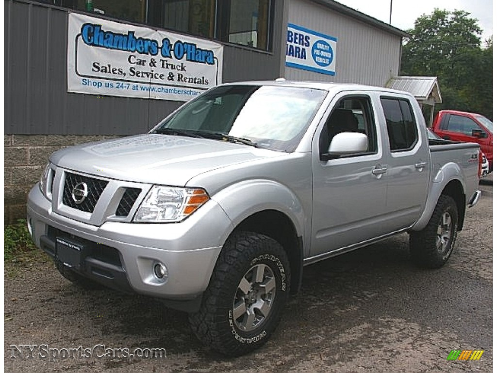 2011 nissan frontier pro-4x crew cab 4x4 in radiant silver