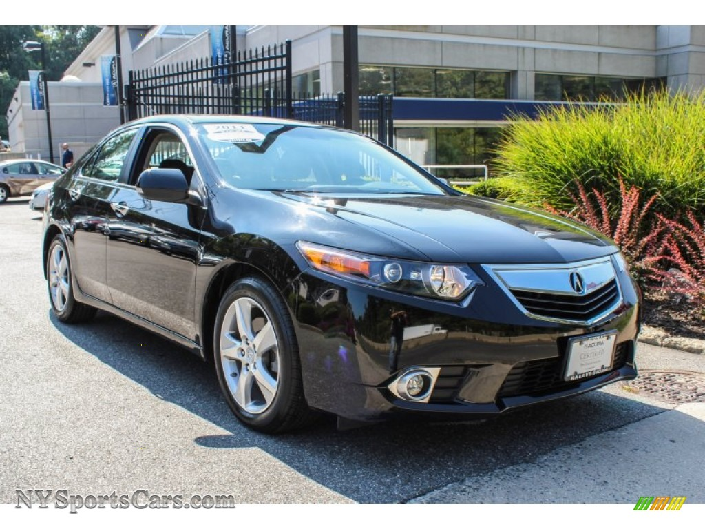 Crystal black pearl ebony acura tsx sedan