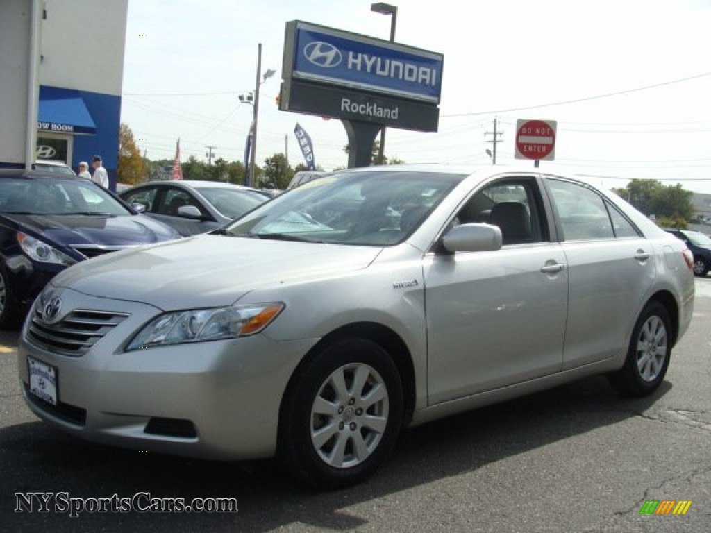 2009 toyota camry hybrid in classic silver metallic photo 26 109867 cars. Black Bedroom Furniture Sets. Home Design Ideas