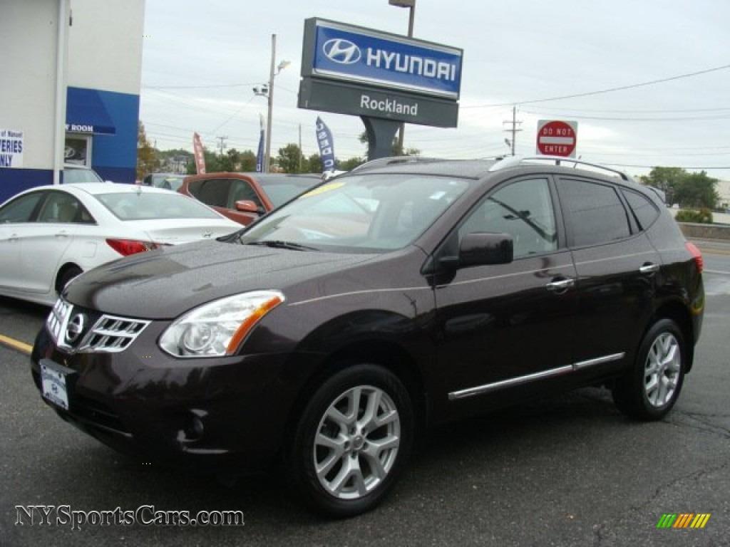Black Amethyst / Black Nissan Rogue SV AWD