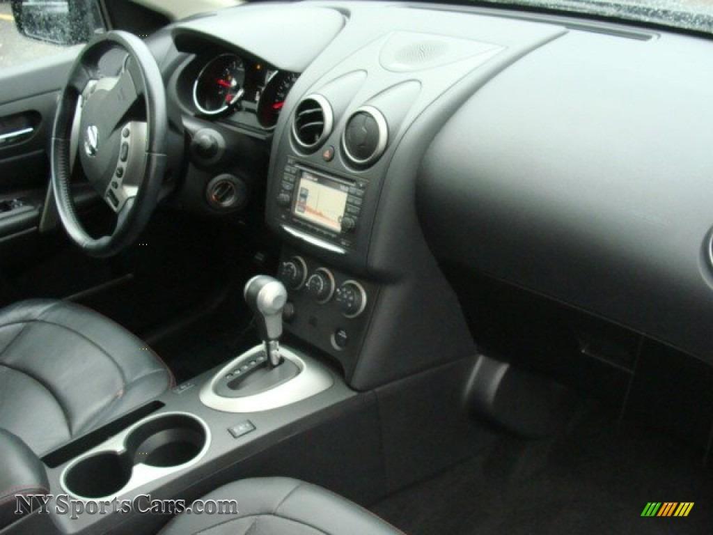 2011 Rogue SV AWD - Black Amethyst / Black photo #26