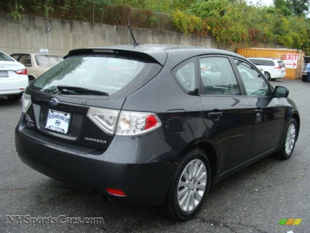2011 Impreza 2.5i Premium Wagon - Dark Gray Metallic / Carbon Black photo #4