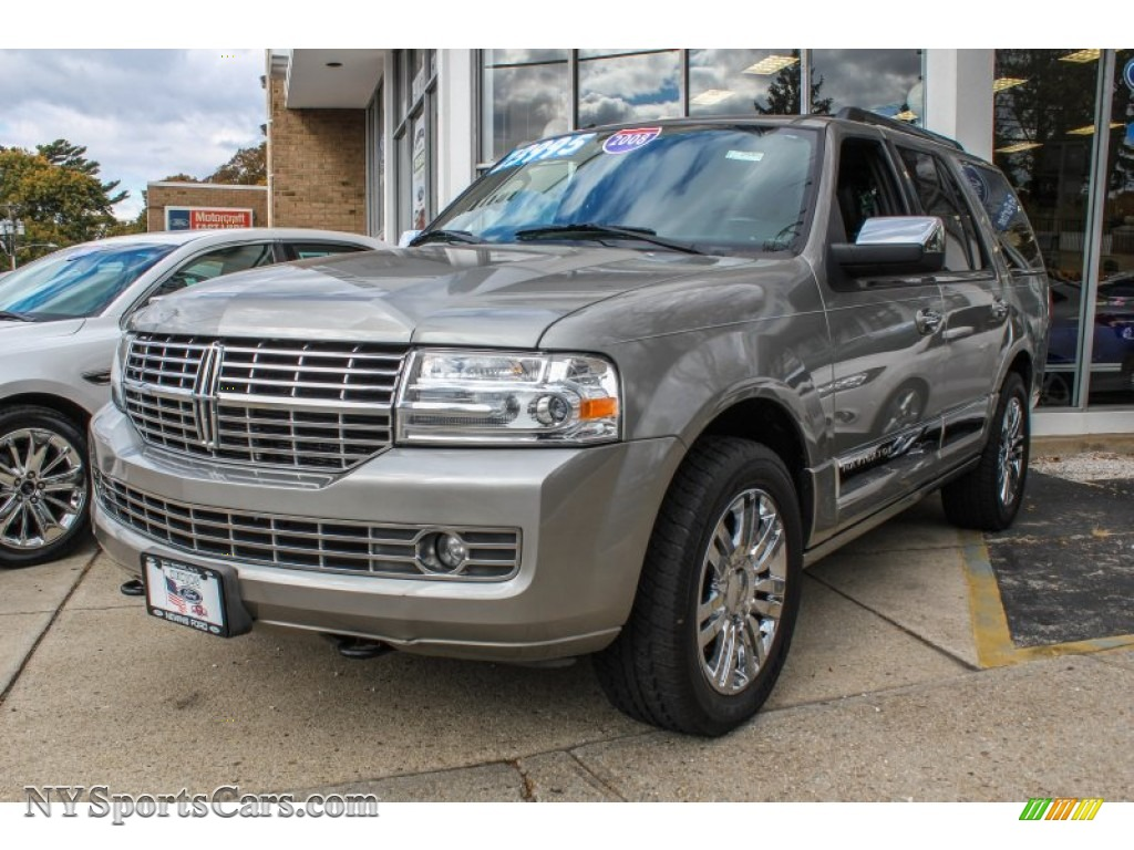 2008 lincoln navigator elite 4x4 in vapor silver metallic. Black Bedroom Furniture Sets. Home Design Ideas