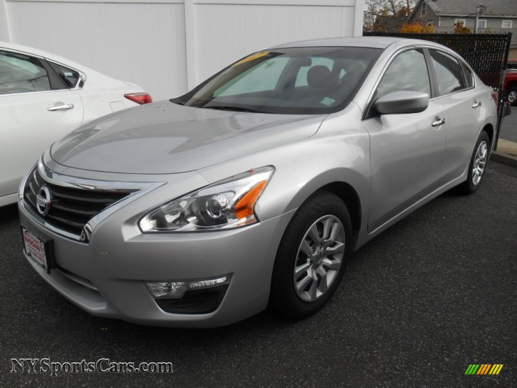 2013 nissan altima 2 5 s in brilliant silver 108230. Black Bedroom Furniture Sets. Home Design Ideas