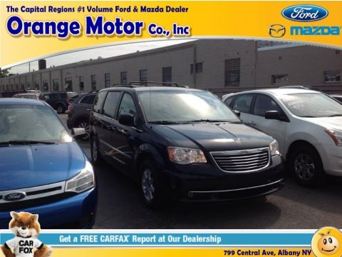 Blackberry Pearl 2011 Chrysler Town & Country Touring